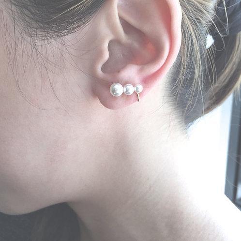 Pearl Graduated Ear Cuff ($88.00USD)