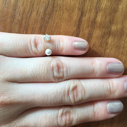 Pearl + Stone Midi Ring (=$89.00USD)