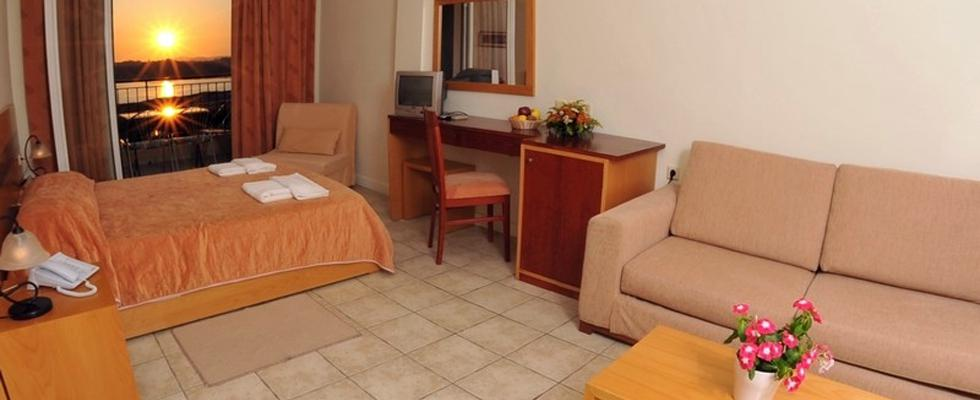 Apartments In Corfu Greece - Hellinis Hotel Kanoni Corfu - Where To Stay In Corfu Greece - Corfu Hot