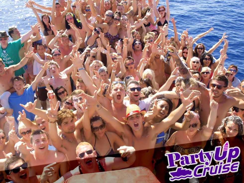 Mental Party Boat In Kavos Corfu - Party Up Booze Cruise Kavos Corfu