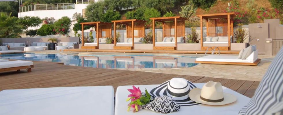Ionian Eye Hotel Messonghi - Corfu Hotels - Places To Stay In Corfu - Messonghi Accommodations