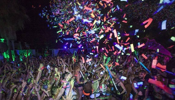 Amazing moment from the Superpaint party at Atlantis outdoor arena in Kavos