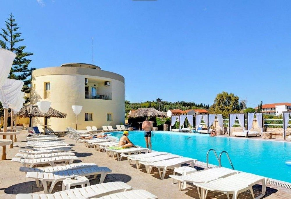 Island Beach Resort Kavos Corfu - Poolside