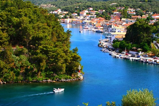 Luxury Speedboat Cruise To Paxos