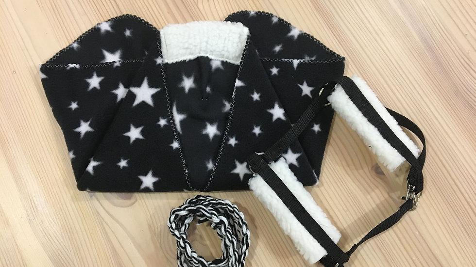 Musta tähtikuvioinen loimi, riimu ja riimunaru keppihevoselle