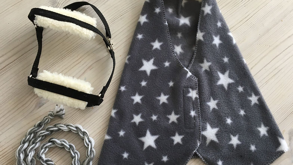 Gray warp, halter and halter rope for hobby horse