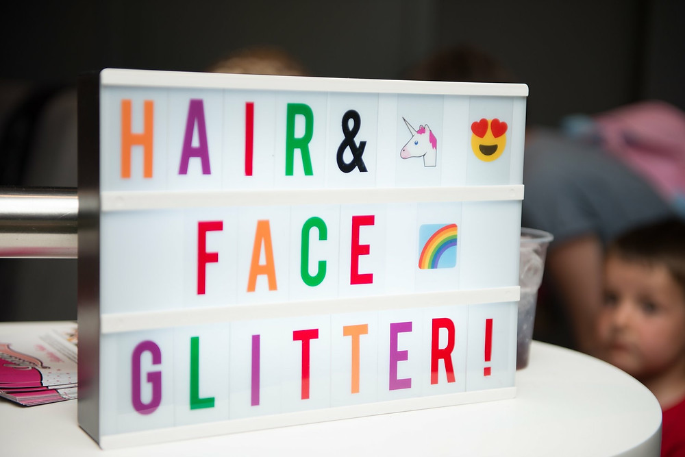 Luxurious Glitter Bar Party Packages - fun lightbox with unicorn and heart eye emojis