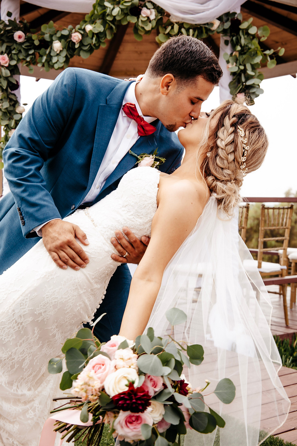 Wedding blog with answers to top questions about wedding planning in Texas, featuring romantic wedding photos and videos