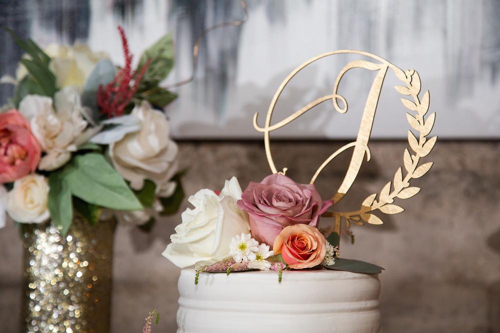 Wedding cake professional photo in Austin, Texas