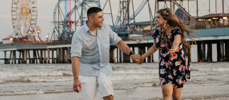 What Should I Wear for Engagement Photos?