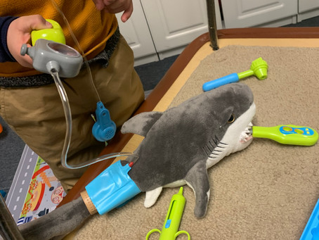 How to Use a Doctor's Kit Across Developmental Play Stages