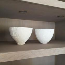 White textured pots