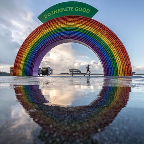 Do Infinite Good sculpture on Brighton seafront