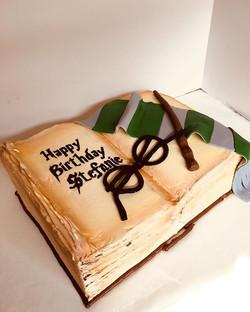 My patronus is a cake 💁🏻♀️ ._._._._
