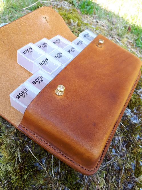 The Jura Distressed 7 Day Pill Wallet