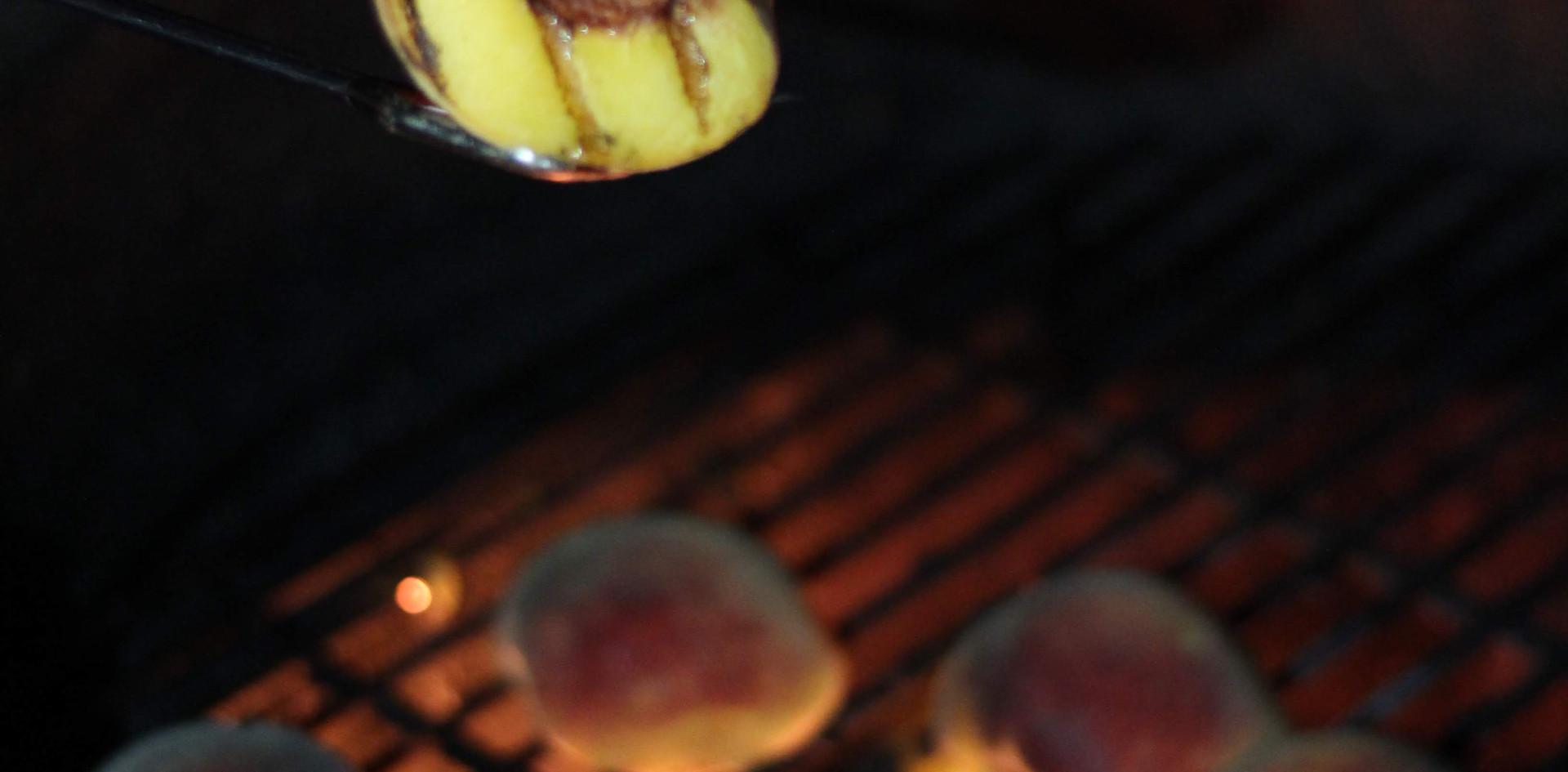 leprechauno-peaches-on-the-grill-5.jpg