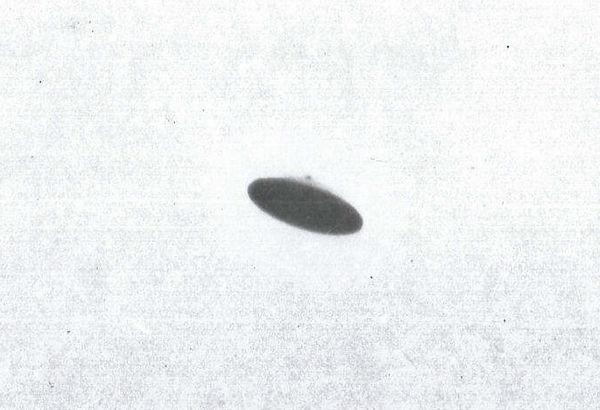 ufo ovni 3750x2546 wallpaper_www_knowled