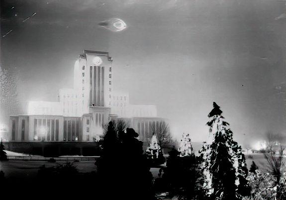 1937-Vancouver-BC-Canada-UFO-studio.jpg