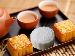 Fly me to the moon – with a bite of the moon cake !