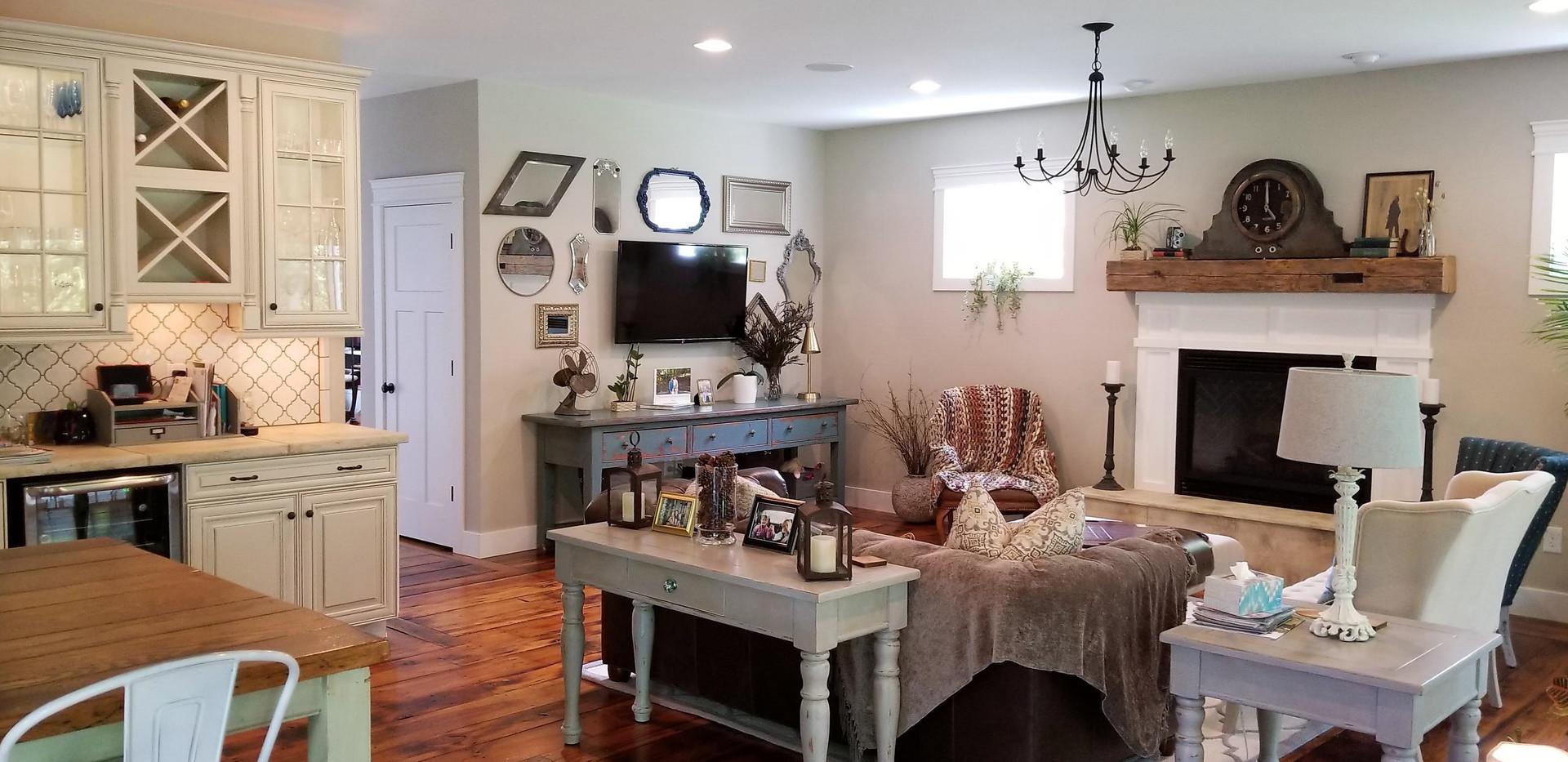 3 living room (2).jpg