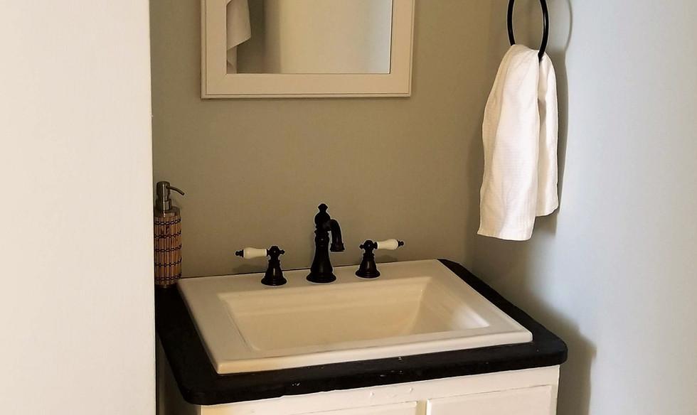 20 guest bath.jpg