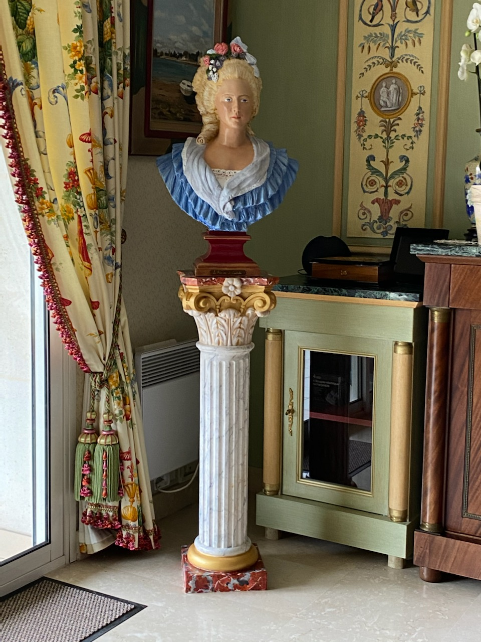 Decorative painting, painted column and chest