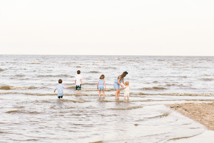 beach session brownie beach family natural light mini session