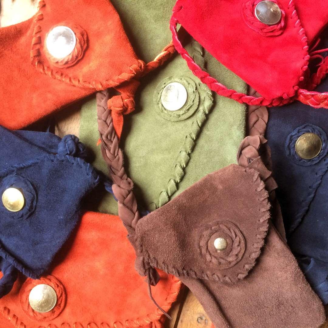 Easy wear shoulder bags