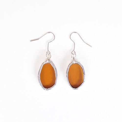 O22 earrings AMBER