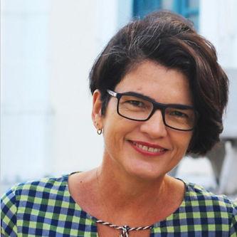 Carol Virgínia Gois Leandro