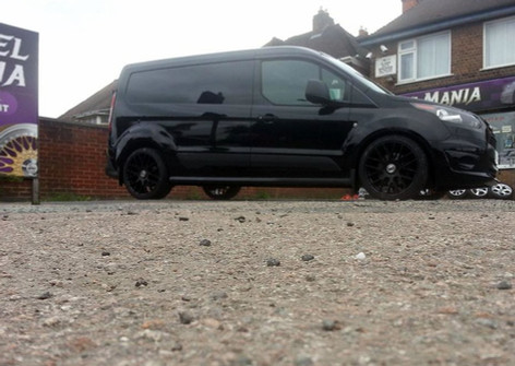 FORD TRANSIT CONNECT FITTED WITH 19 INCH TEAM DYNAMICS IMOLA