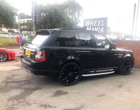 RANGE ROVER SPORT FITTED WITH 22 INCH HAWKE HARRIER