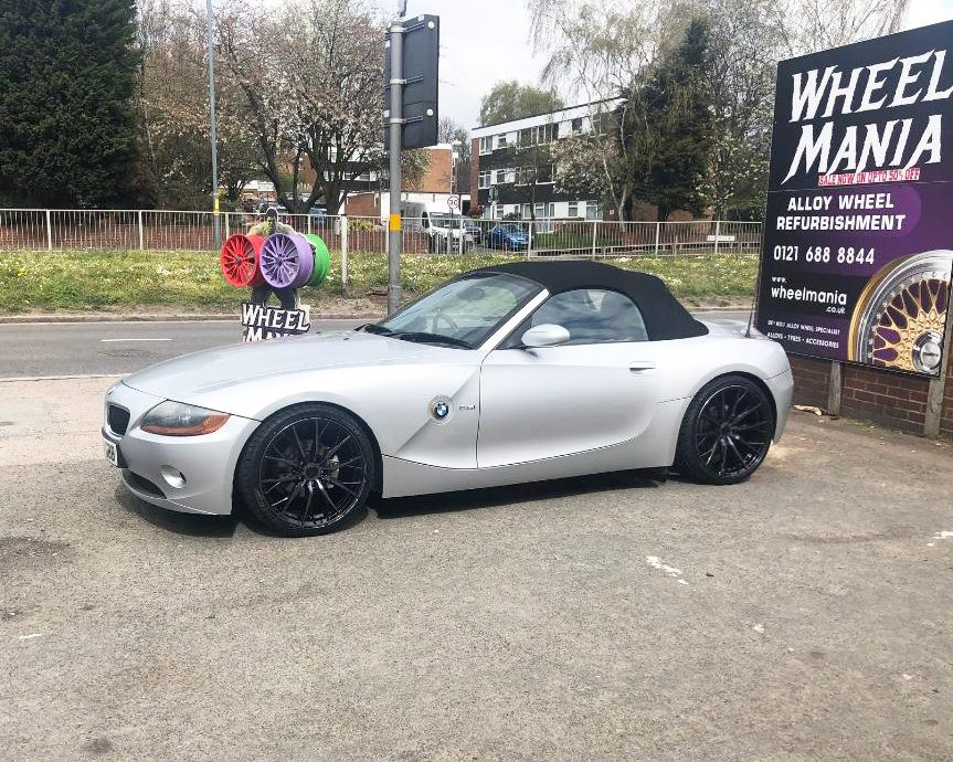 Bmw Z4 Fitted With 19 Inch Hub V1f