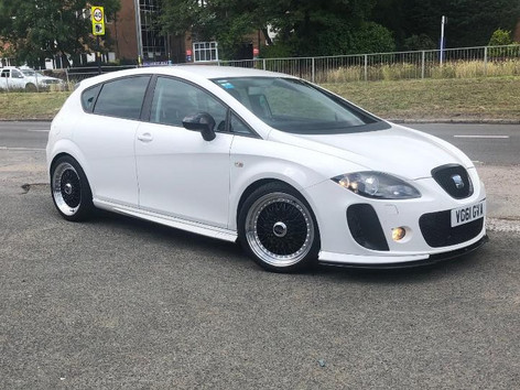 SEAT LEON FITTED WITH 18 INCH CALIBRE VINTAGE