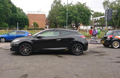 RENAULT MEGANE FITTED WITH 19 INCH CALIBIRE CCZ