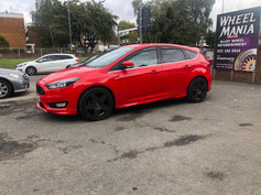 FORD FOCUS FITTED WITH 18 INCH BOLA B10