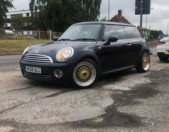 MINI FITTED WITH 17 INCH CALIBRE VINTAGE