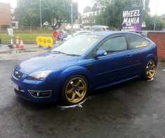 FORD FOCUS FITTED WITH 18 INCH BOLA B1
