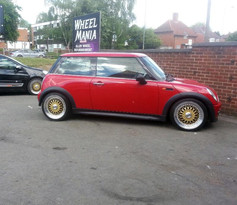 MINI ONE FITTED WITH 17 INCH CALIBRE VINTAGE