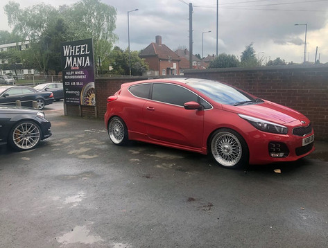 KIA CEED FITTED WITH 19 INCH CALIBRE VINTAGE