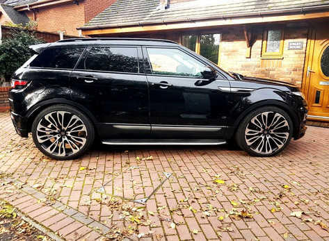 Land Rover Evoque on 22_ Hawke Halcyon B