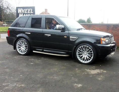 RANGE ROVER SPORT FITTED WITH 22 INCH ALTUS