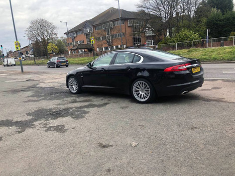 JAGUAR XF FITTED WITH 19 INCH HUB V20