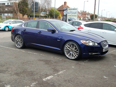 "Jaguar XF Fitted With 20"" Hub V20"