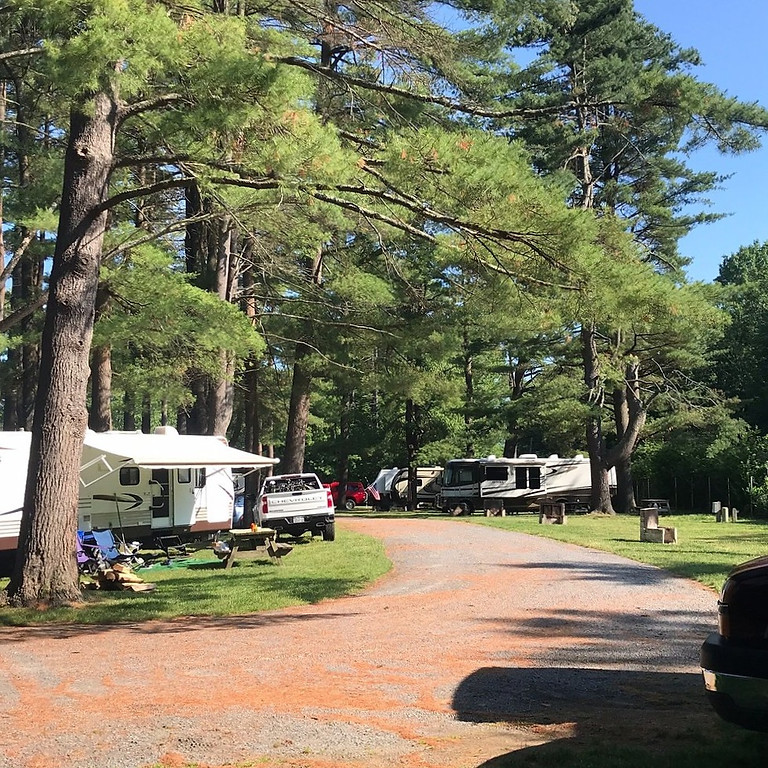 Whippoorwill Motel & Campsites