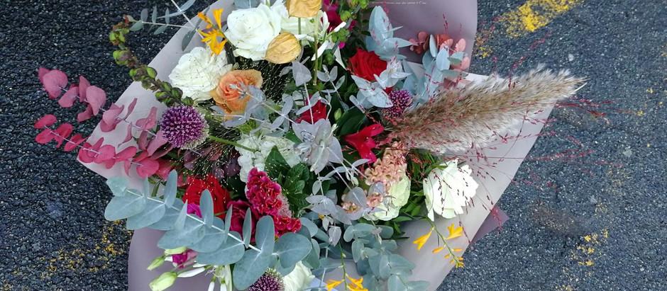 Les 5 bonnes raisons d'adopter un bouquet de fleurs à la maison pendant le confinement
