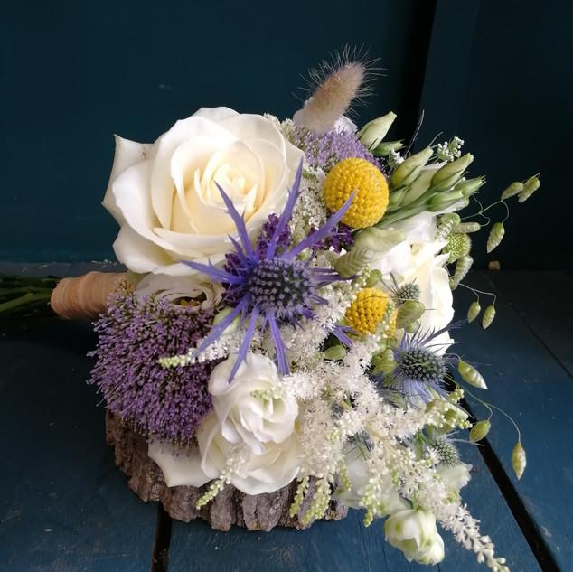 Petit bouquet original mariage