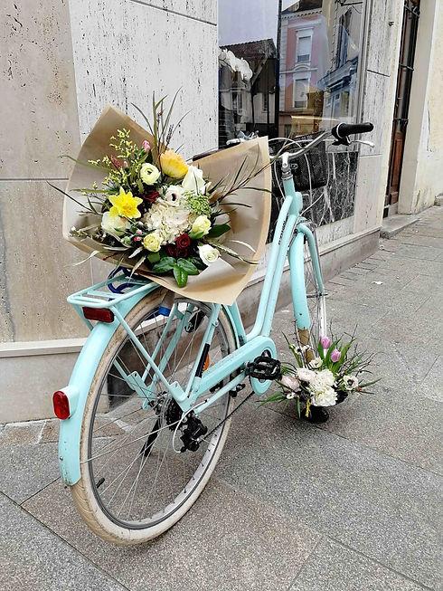 Bouquet de printemps en balade.jpg