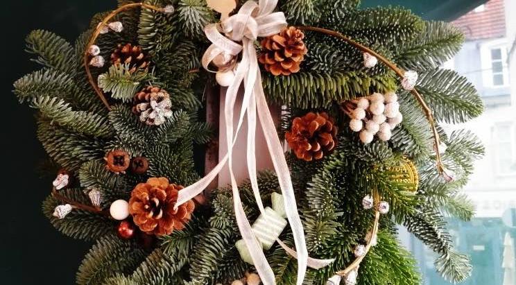 Décorations florales pour un Noël très spécial, les tendances déco végétale