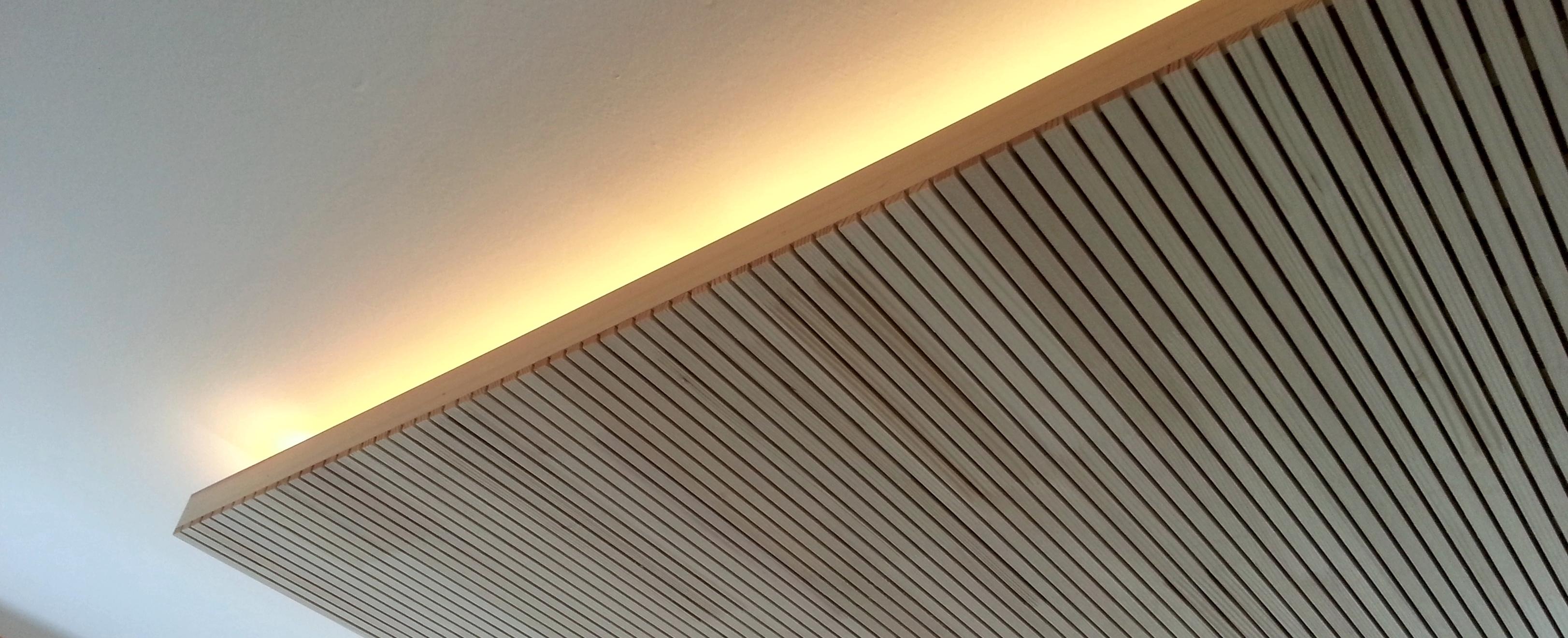 Deckenblende mit Lichtband